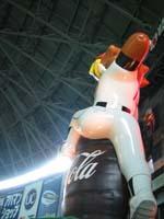 巨大ホークス人形