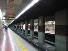 プサンの地下鉄のコンコース