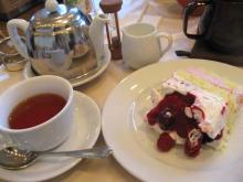 ベリーベリーチーズケーキとアッサムティー