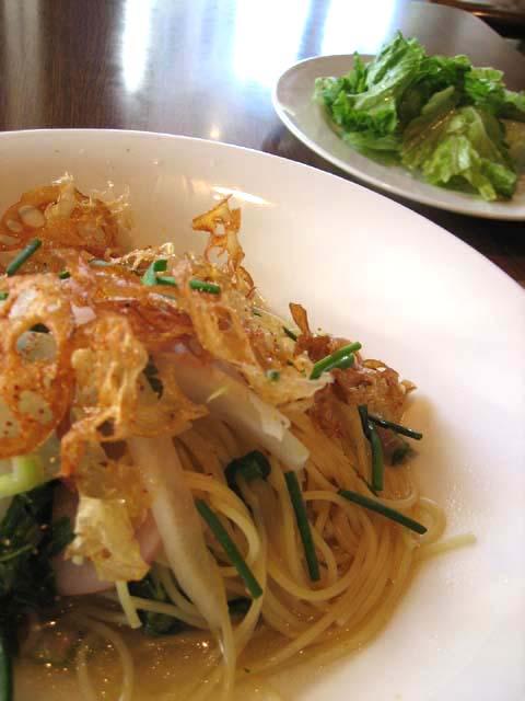 和風の根菜スープパスタ