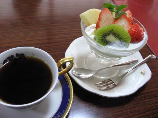 コーヒーとヨーグルト