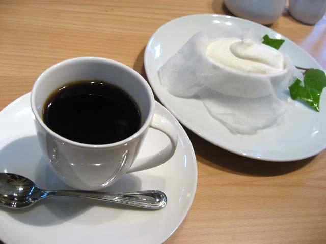 コーヒーとクレーム・ダンジュ
